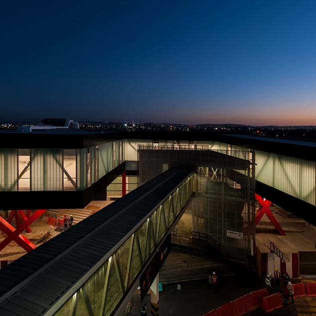 INTEGRACIÓN DEL CROSSBORDER EN EL AEROPUERTO DE TIJUANA  Situación: México. Superficie: 3.200 m² Colaboración.