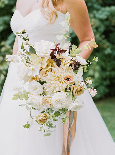 Seventh Stem Floral Design Oregon Fall Neutral Wedding Flowers Bouquet Inspiration in the Columbia Gorge Washington
