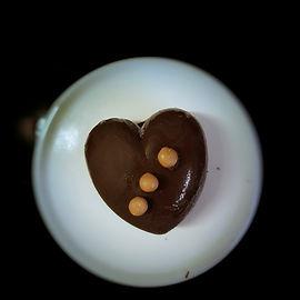 לב קרמל שוקולד מריר