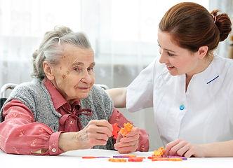 terapia-ocupacional-idoso.jpg