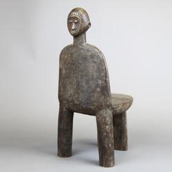 モシ椅子 02