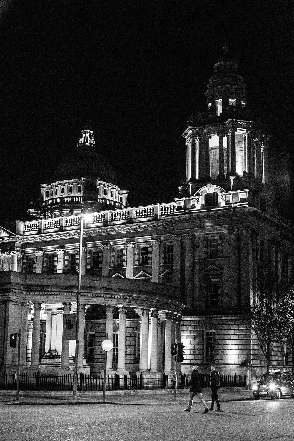 Belfast City Hall, Lady Mac Lifestyle