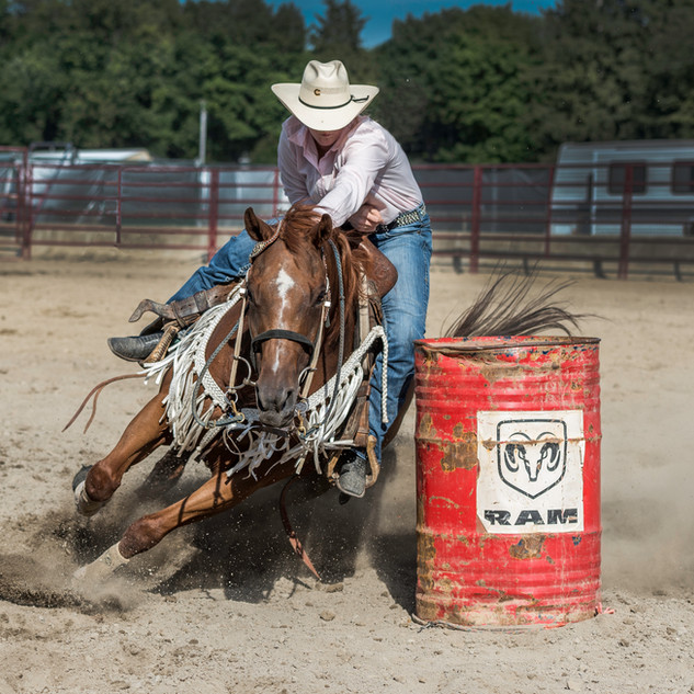 Hanna barrel Racing