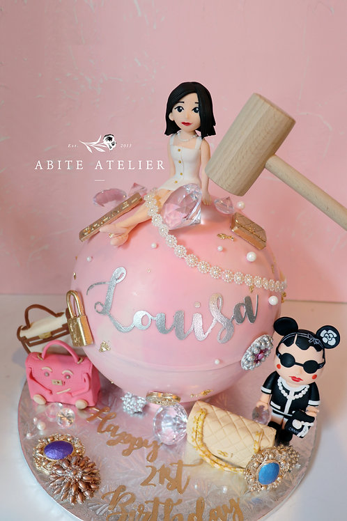 Luxe Series - Beau Monde Piñata Cake