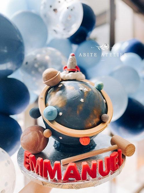 Solar System Piñata Cake