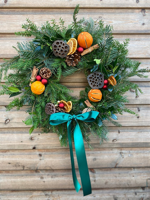 Festive wreath - the traditional one