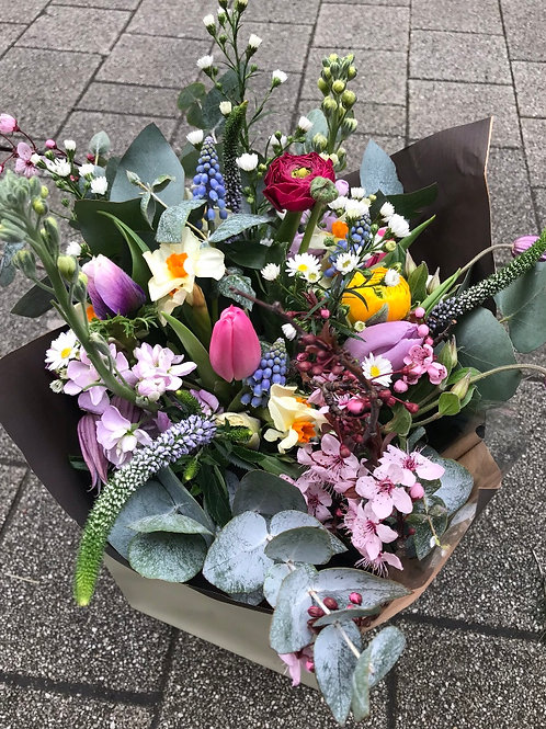 Luxury Seasonal Gift Bouquet -Medium