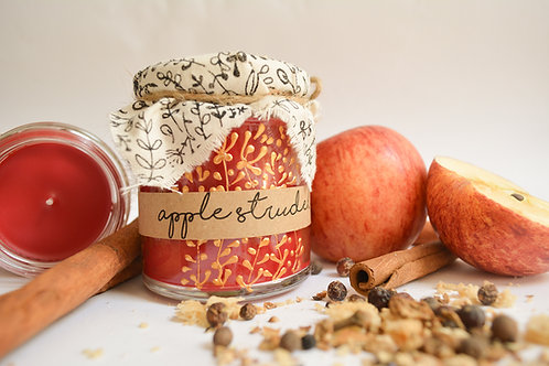 Hand Poured Candle 'Apple Strudel & Spice'