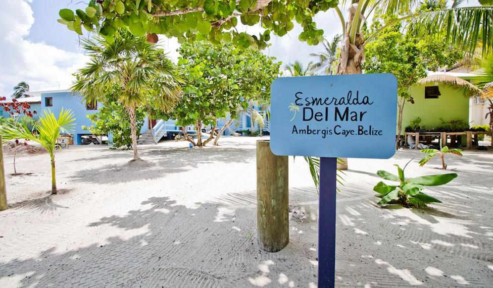 Esmeralda Del Mar from the road