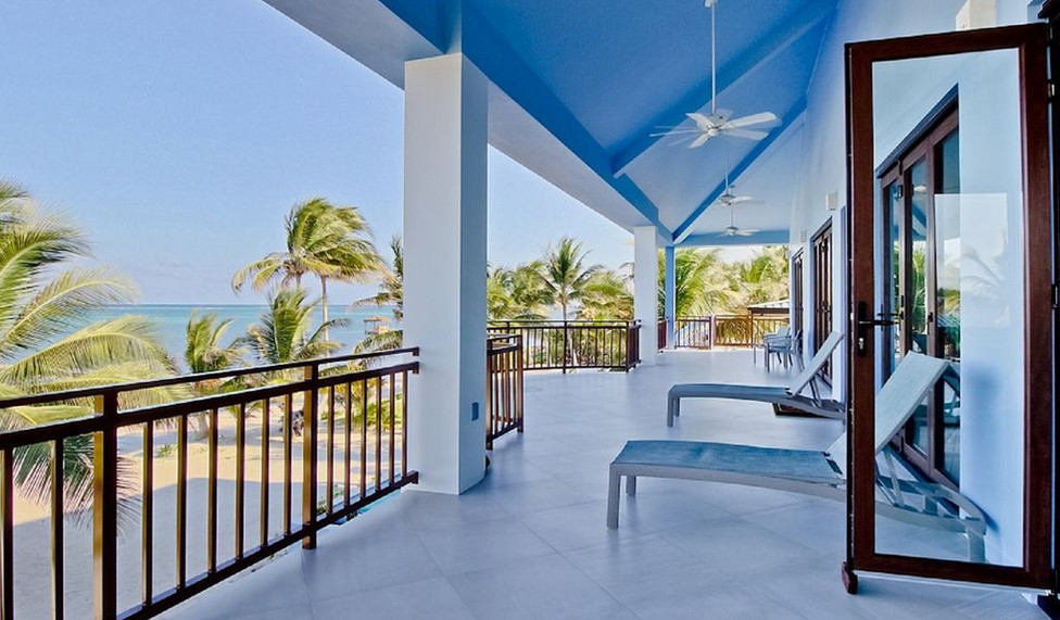 Second story outdoor living space
