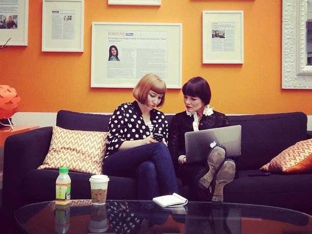 coworkers-talking-gossip-rumors-office-startup-women-working-15.jpg