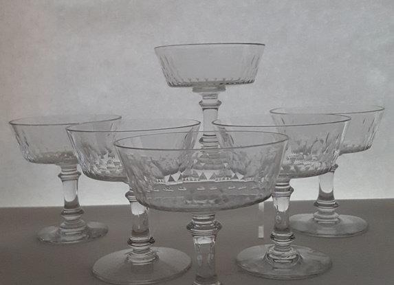 """12 coupes à champagne Baccarat modèle """"Richelieu"""""""