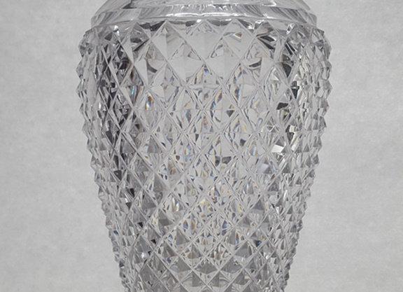 Vase en cristal taille diamant