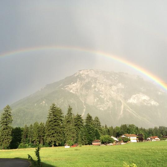 Regenbogen über den Rauschberg