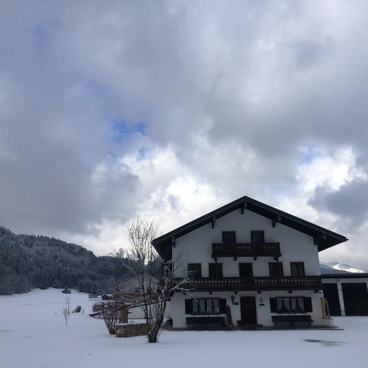 Gastager Hof im Winter vor dem Umbau