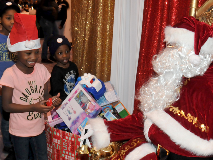 kids with santa.PNG