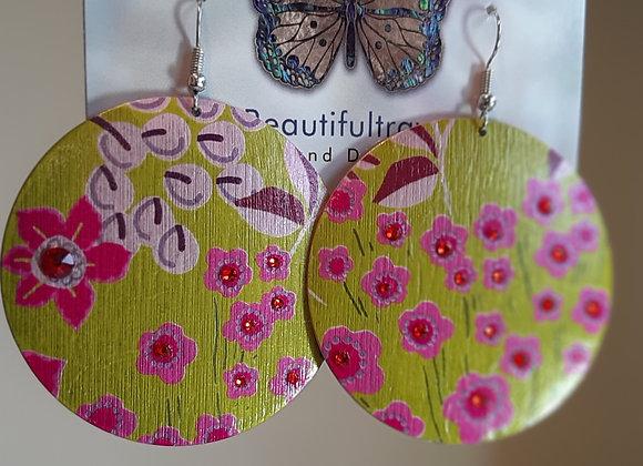 Tiny Pink flowers metallic earrings with Swarovski