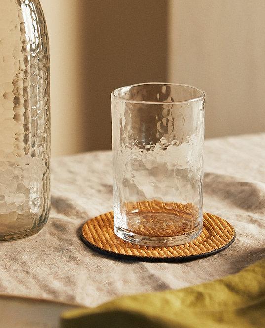 Стакан из стекла асимметричной формы