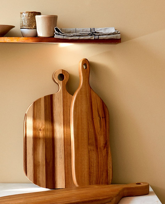 Разделочная доска из древесины акации