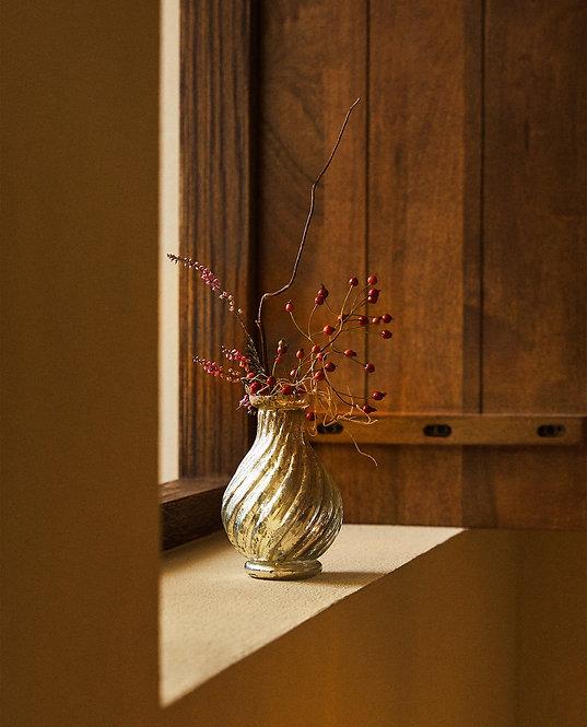 Искусственно состаренная стеклянная ваза