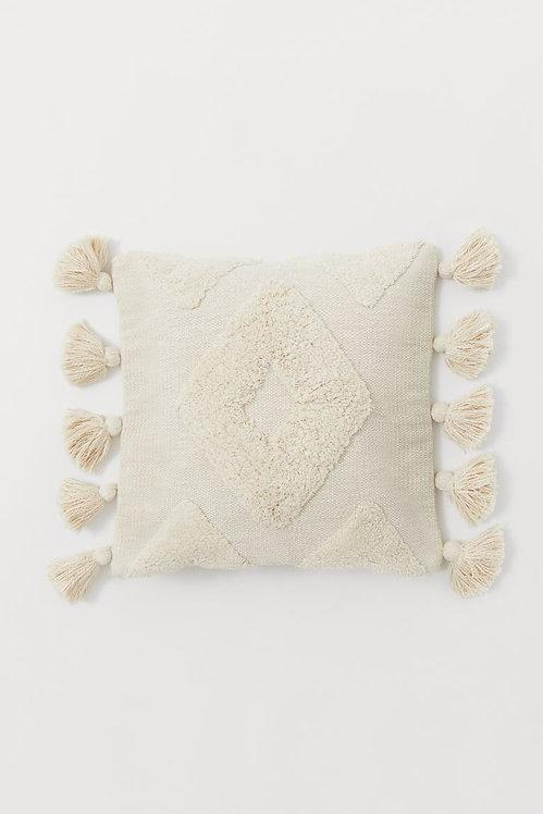 Чехол на подушку с кисточками