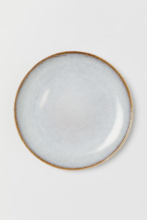 Маленькая керамическая тарелка