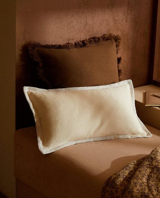 Чехол для декоративной подушки с контрастной окантовкой