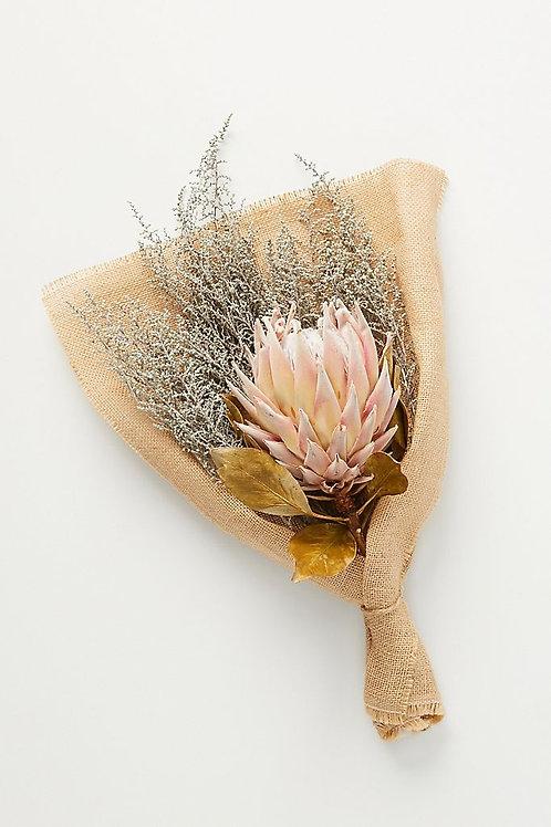 """Смешанный цветочный букет """"Protea & Stoebe"""""""