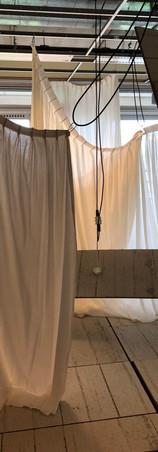 Een theatrale installatie naar aanleiding van een zelfgekozen tekst. In en om het gebouw van de akademie voor theater en dans.