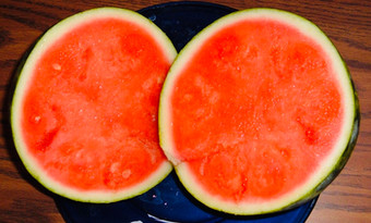 You should never eat seedless fruits!