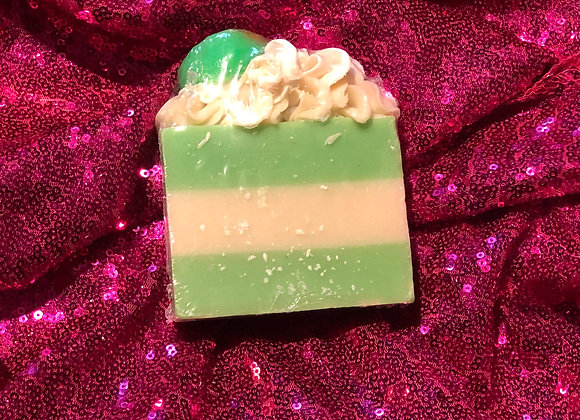 """""""THE BEAUTY OF ROYALTY"""" COCONUT & LIME VEGAN SOAP BAR"""