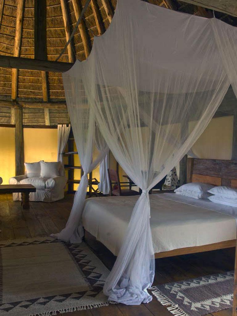 Apoka Safari Lodge