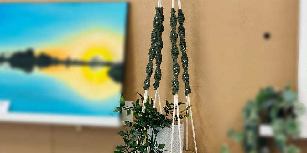 ORION - SPRINGFIELD - Macrame shelf hanger!