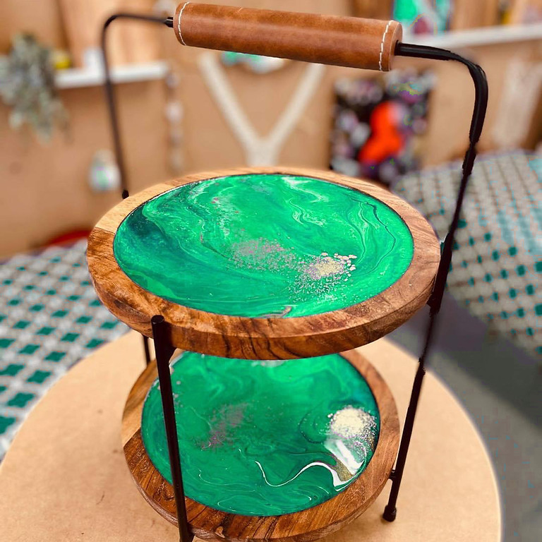 Coffee Club Browns Plains - Learn to make a resin two tier stand!
