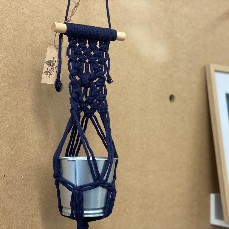 Degani Coorparoo - Learn to make a macrame pot hanging!