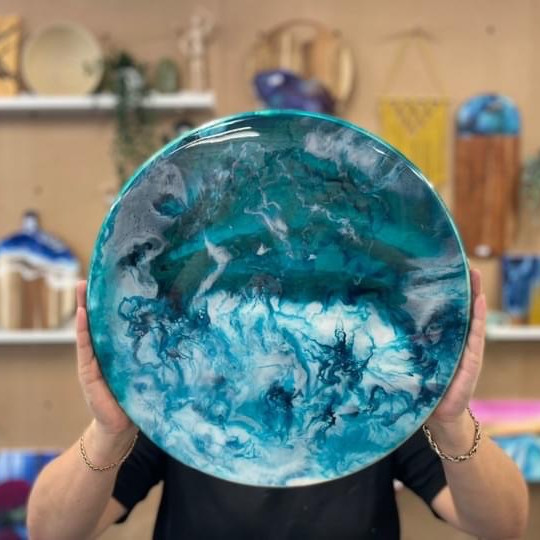 Coffee Club Southgate - Learn to make a resin lazy susan!