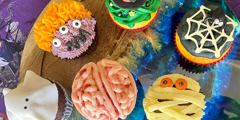 STUDIO - Learn how to decorate Halloween cupcakes!