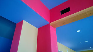 painting living room ceiling and walls with red and blue colors