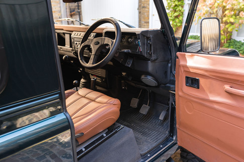 Land Rover Defender #31.jpg