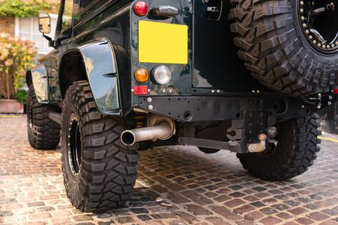 Land Rover Defender #33.jpg