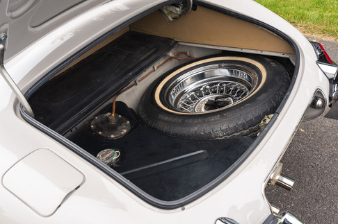 Jaguar E-Type Roadster #38.jpg