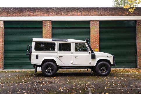 Land Rover Defender 110.jpg