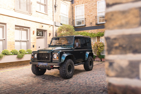 Land Rover Defender #18.jpg