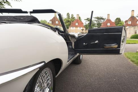 Jaguar E-Type Roadster #17.jpg