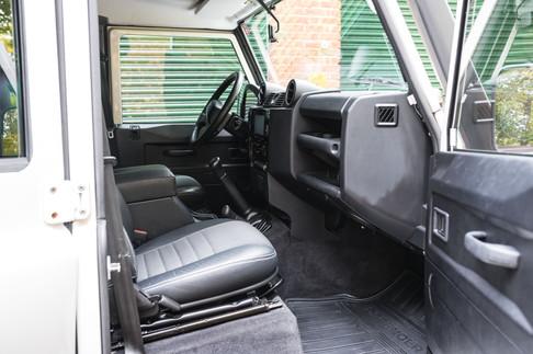 Land Rover Defender 110 #11.jpg