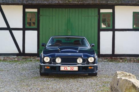 V8 Vantage-1.jpg
