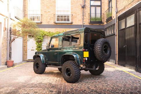 Land Rover Defender #34 (1).jpg