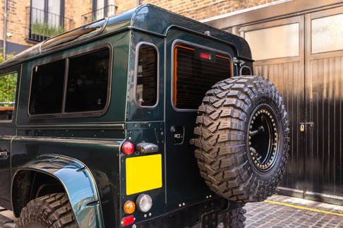 Land Rover Defender #26.jpg