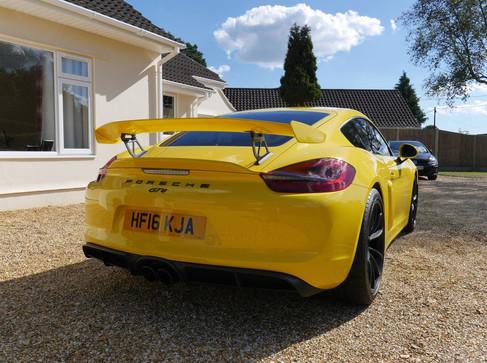 2016 Porsche Cayman GT4 2.jpg