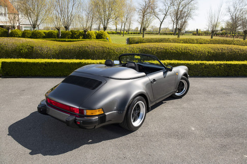 Porsche_911_G_Speedster-48-min.jpg